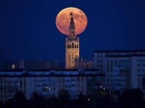 super moon-in UK
