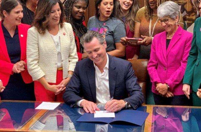 Newsom-signs-abortion bill