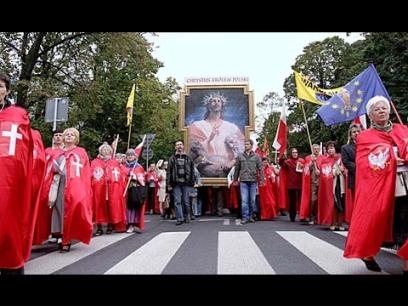 Poland-Enthrones-Jesus