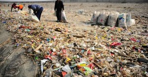 China dumps trash in ocean